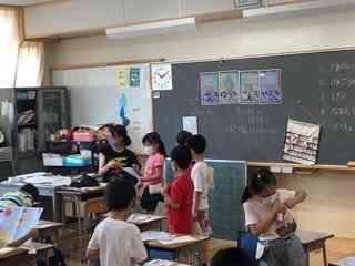4_教室での健康観察.JPG